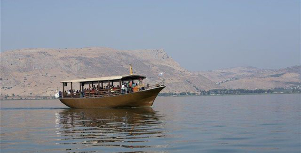 GE12IGE01538_Itamar Grinberg Pilgrims boat on the Sea of Galilee_norm[1].jpg